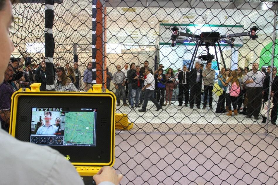 PSC 6450 950x633 Restam poucos espaços livres para a Feira DroneShow 2015