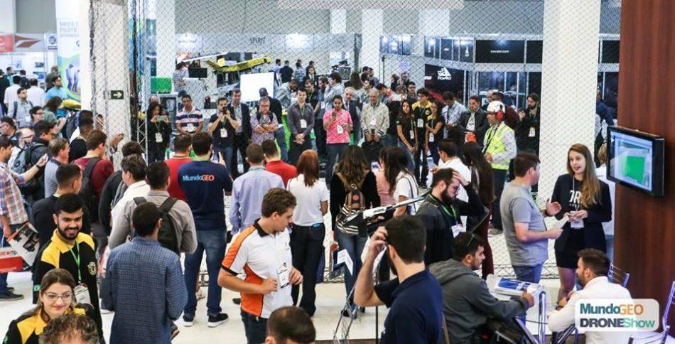Corredores da feira DroneShow 2018, realizada em maio passado na capital paulista
