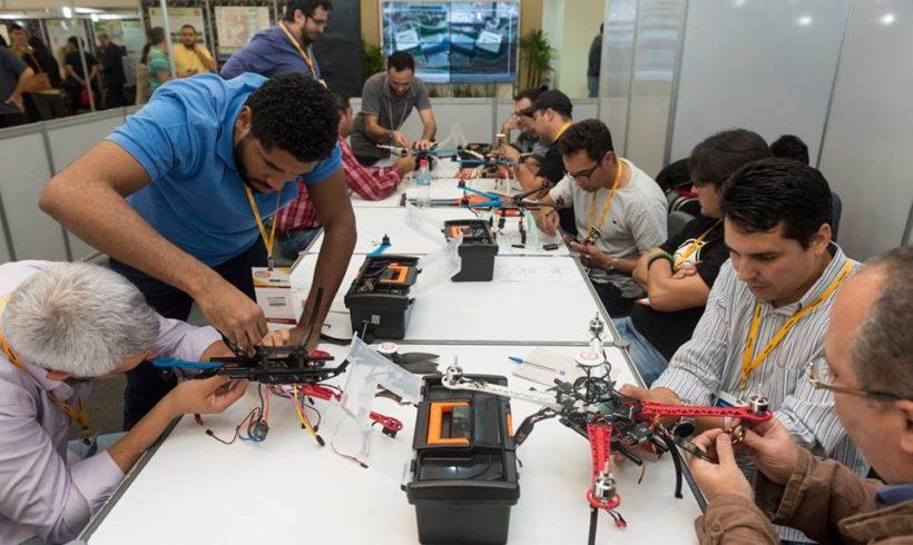 Curso prático de montagem e manutenção de drones acontece em São Paulo